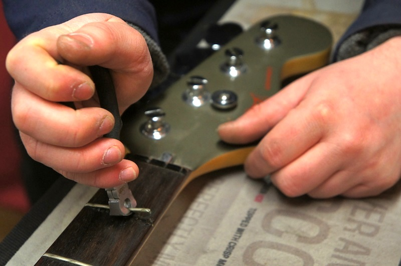 Making a bass fretless